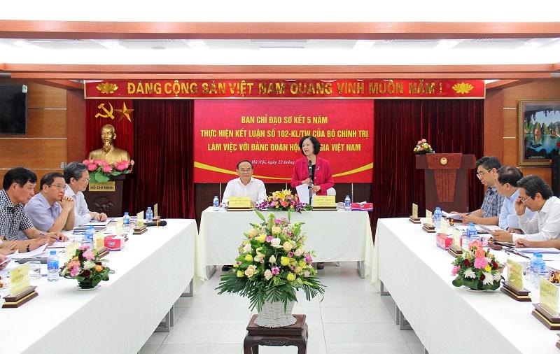 Đồng chí Trương Thị Mai làm việc với Đảng đoàn Hội Luật gia Việt Nam - Ảnh 2